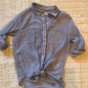 Blue pin striped front tie top s